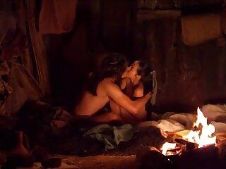 با پاهای زن جوان و بدون برداشتن جوراب ساق بلند ، خروس خود را دانلود فیلم سکسی خارجی در shmonka گرم مکید