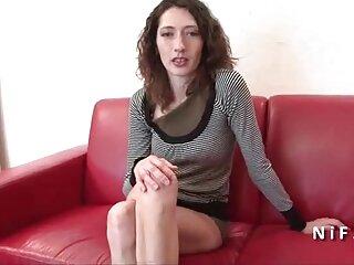 یک زن سوری طلایی دانلود فیلم سکسی خارجی با لینک مستقیم در حال مکیدن آلت تناسلی مرد آمریکایی است که از او محافظت می کند