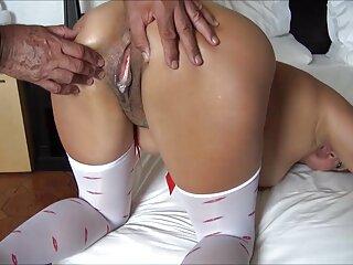 پیرمرد همسر دوستش را لول داد و گربه او را پیچاند ، با انگشتانش کلیتور را فشار داد سینمایی خارجی سکسی و در گربه تنگ او فرو رفت.