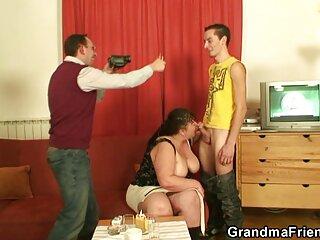 فاحشه هوس باز خروس همسایه اش را با دهانی که روی میز افتاده سایت سکسی کیرتوکس است می گیرد