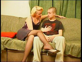 کوفته مرطوب با دست او که به شوهرش فیلم خارجی بدون سانسور سکسی می گرید و برای تحریک جنسی خودش را نوازش می کرد ، باز شد