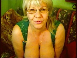 وقتی پدر و سکس خارجی با کیفیت مادرم از بین رفتند خلاصه ای در اتاق لباسشویی گرفتم و عاشق الاغی شدم که دهانم را پوشانده بود