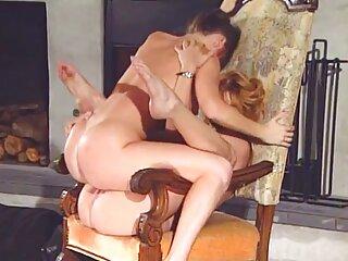 غلام روی یقه بیدمشک او را به شدت لیسید و او با دانلودفیلم سیکسی خارجی دستی محکم شنویا را محکم فشرد.