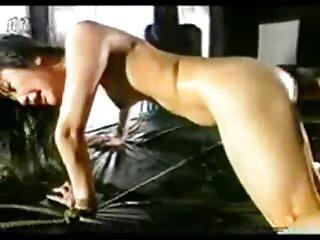 بنده ای که دهانش هوسار است دهان خود را کار دانلود رایگان فیلم سکسی خارجی می کند در حالی که ارباب او در اتاق خواب خود چرت شیرینی می زند