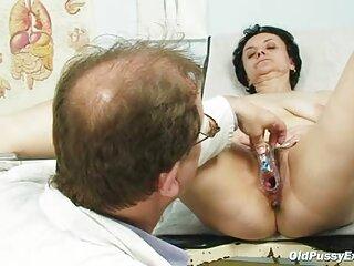 نوزادی لاغر و مرطوب دانلود فیلمهای سکسی خارجی جدید با پستان های متورم به صورت دستی با هر دو کف دست خود را به یک مرد نشسته خودارضایی می کند