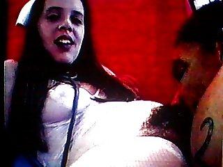 یک جوان مست روسی روسی فیلم سکسی خارجی با کیفیت مست می شود و حلال را می بوسد و لابایای خود را تکان می دهد