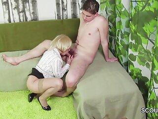 مرد پخت و پز عضلانی جلوی دهقان گوسفند در حیاط گاو با لاستیک اِدلا دانلود بازی سکسی خارجی شیرین می کند