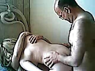 فاحشه ورزشی پاهای دانلود فیلم سکسی کامل خارجی خود را به عقب انداخت و مقعد را با دستان خود باز کرد ، شناور یک قهرمان به داخل آن رفت