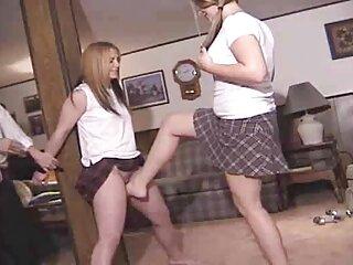 دختران ناامیدانه خود را با ضرب و شتم و خفاش های چاق در الاغ دانلود فیلم سیکس خارجی شل و ول می کنند